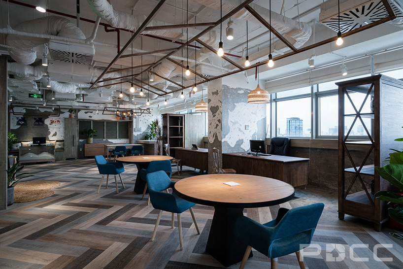 红5工作室设计房产办公室办公室装修1
