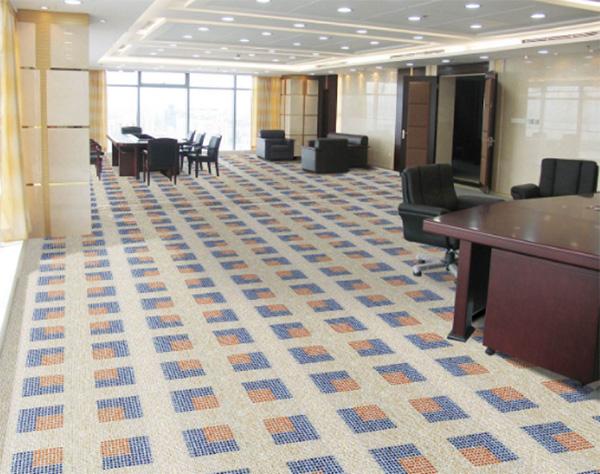办公室设计中地面铺设地毯有哪些好处