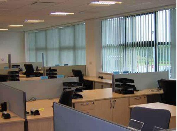 办公室装修中窗帘的使用