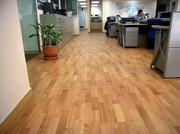 办公室装修如何选择地板
