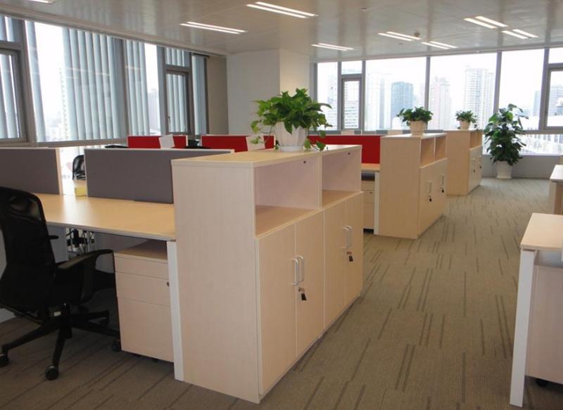 上海办公室装修如何选择办公家具
