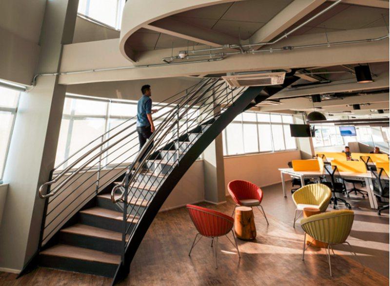 让你的办公室装饰更具生机和活力
