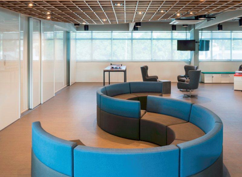 进行办公室装修选,要选怎样的装修企业?