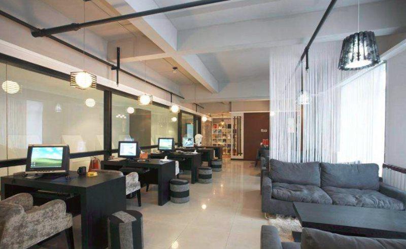 介绍几款现代办公室设计的风格